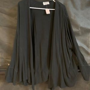 Nomad Sweater Black XL NWT